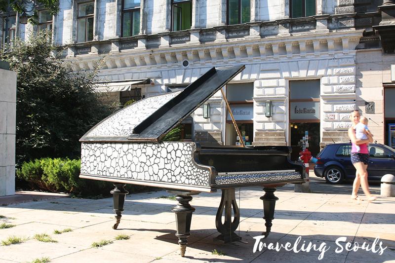 liszt ferenc ter square pianos budapest hungary