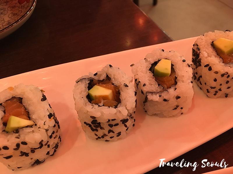 cali rolls hungary taro-japanese-sushi-restaurant-budapest-3-copy